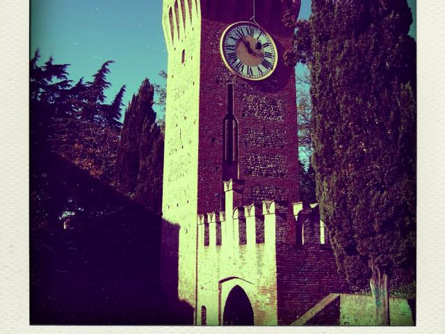 Castello di Bazzano 1998b